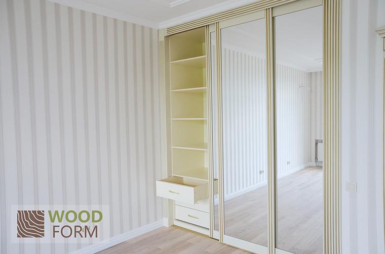 Шкафы-купе + гардеробная в классическом стиле 1