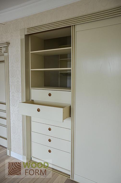 Шкафы-купе + гардеробная в классическом стиле 2