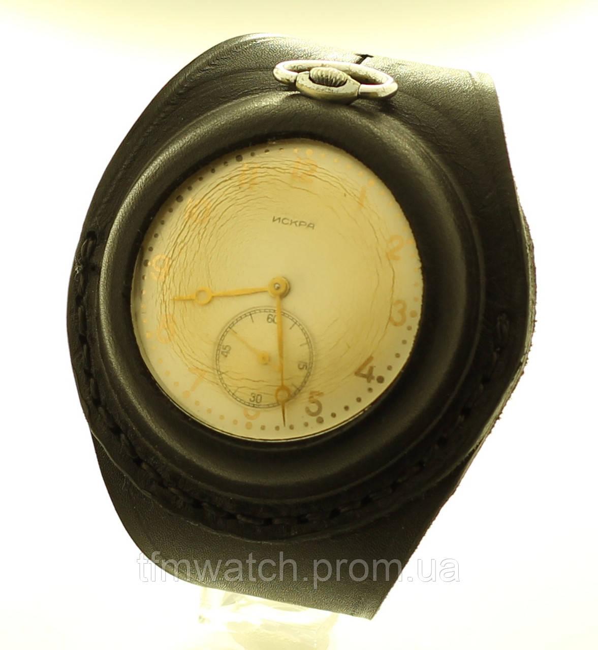 Искра карманные механические часы СССР на кожаном ремне
