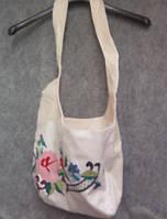 Тканевая льняная сумка ручной работы с вышивкой