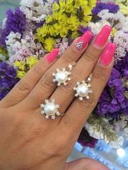Серебряный комплект: серьги и кольцо с жемчугом и золотом