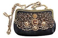 Кожаная сумочка вышитая бисером и кристаллами Swarovski