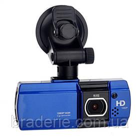 Автомобильный видеорегистратор 550