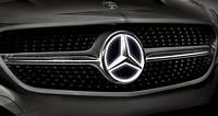 Эмблема в решетку радиатора с подсветкой для Mercedes W218