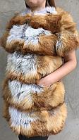 Жилет из меха рыжей лисы с рукавом.