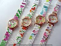 Часы Цветы 114251 женские золотистые с цветным циферблатом и ремешком из силикона диаметр 32 мм