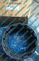 Уплотнитель R543839 поворотных цил. R196076 зап части John Deere ILS   STEERING CYLINDER GUIDE втулка r543839