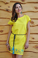 Модное желтое платье мини с вышивкой