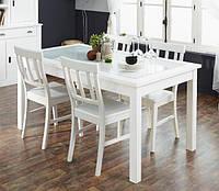 Белый стол на кухне – классика жанра