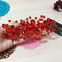 """Диадема """"Красная Жанин""""кристаллы,бисер."""