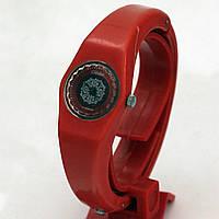Часы Слава пластиковый корпус
