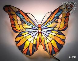 Декоративный настенный светильник из кусочков цветного стекла Тиффани бабочка