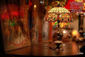 Настольная лампа Luxury в кабинет в стиле Тиффани
