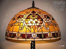 Плафон для торшера из кусочков цветного стекла в стиле Тиффани