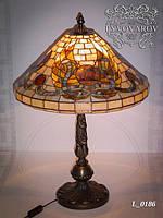 Светильник из кусочков цветного стекла в стиле Тиффани
