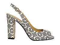 Женские кожаные босоножки на каблуке с геометрическим принтом