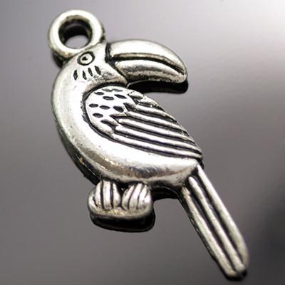Кулон Птица, Металл, Цвет: Античное Серебро, Размер: 25х11х3мм, Отверстие 2.5мм, (УТ000004062)