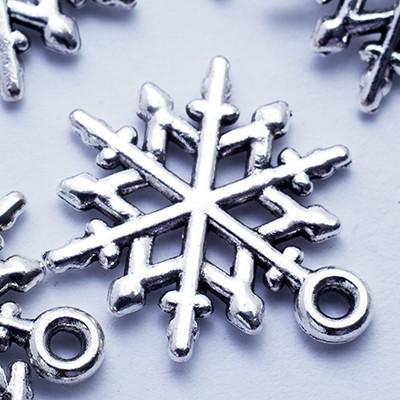 Кулон Снежинка, Металл, Цвет: Античное Серебро, Размер: 20х15х1.5мм, Отверстие 2мм, (УТ0024662)