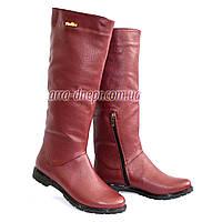 Сапоги-трубы женские кожаные демисезонные бордового цвета.