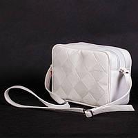 Маленькие модные женские сумочки – чем дальше, тем меньше