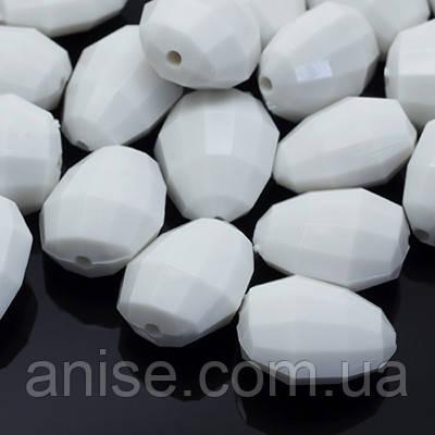 Акрилові намистини Гранчасті, Колір: Білий, Розмір: 18х15х11мм, Отвір 2мм, близько 33шт/50 г, (УТ0005540)