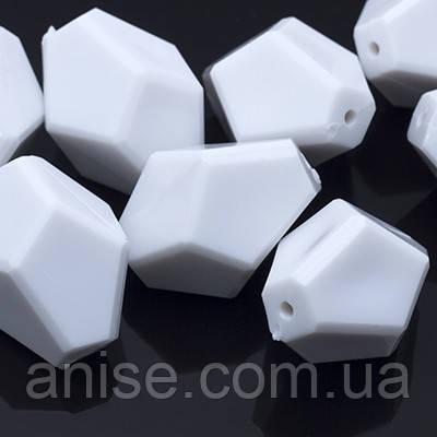 Акрилові намистини Гранчасті, Колір: Білий, Розмір: 30х24х23мм, Отвір 2.5 мм, близько 7шт/50 г, (УТ0005551)
