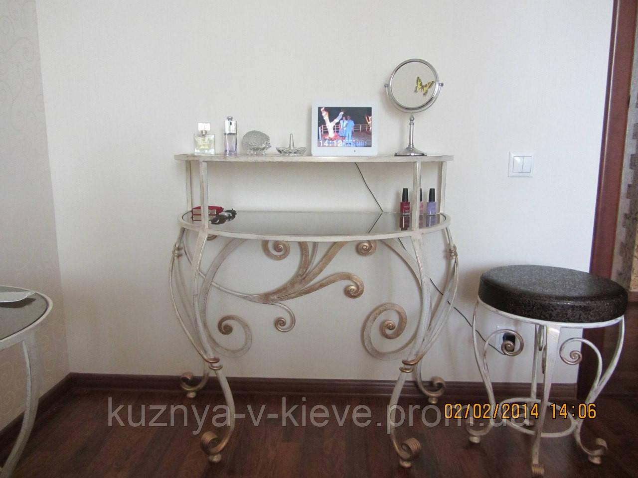 Туалетный столик+табурет
