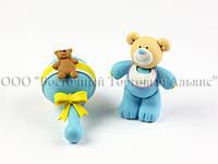Фигурки из пластика - Голубой медвежонок с погремушкой
