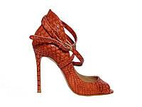 Женские туфли на каблуке из кожи с рельефом кожи крокодила