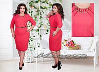 Красивое батальное красное платье средней длинны
