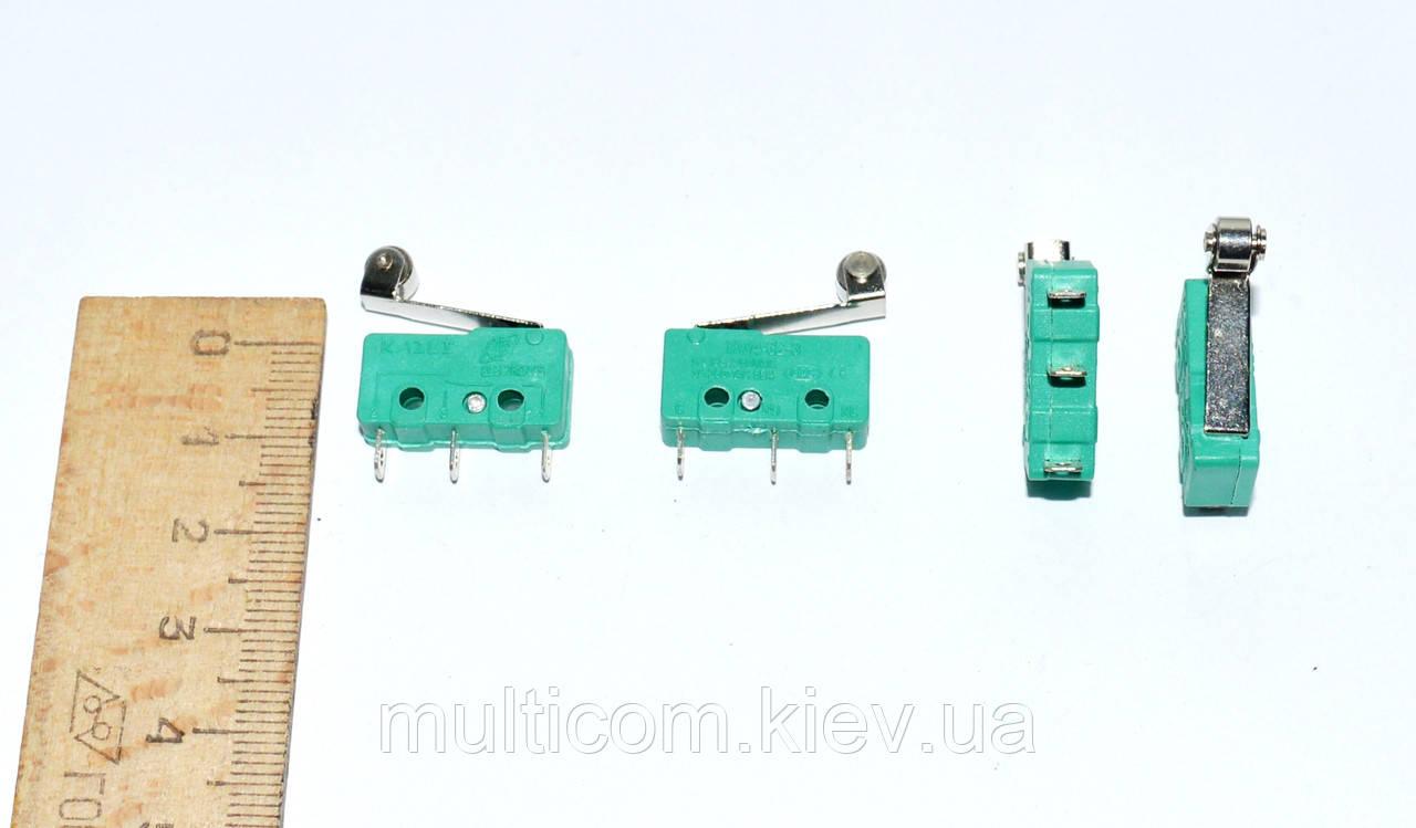 11-03-052. Микрик средний с роликом MSW-13 (ON-ON), 3pin, 5A-125V/3A-250V