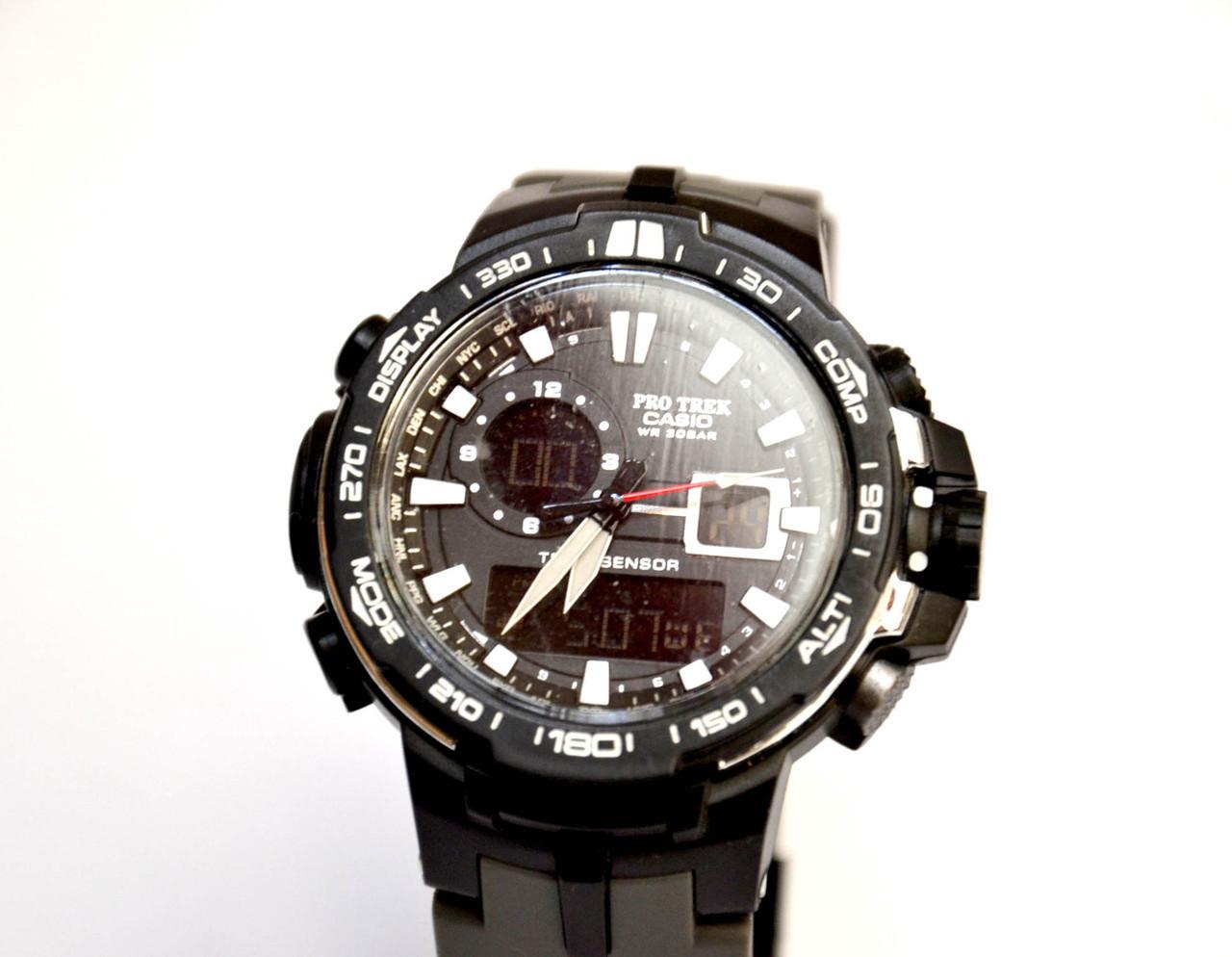Часы наручные  PRW6000 черные с белым