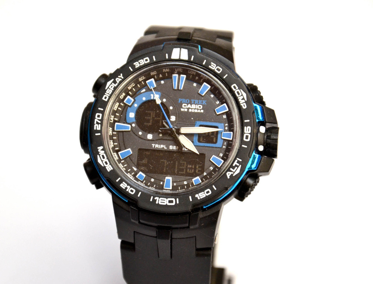 Часы наручные  PRW6000 черные с синим