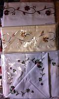 Скатерть льняная с вышивкой розы