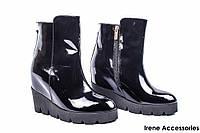 Ботинки женские лаковые WindRose (ботильоны на танкетке, байка)