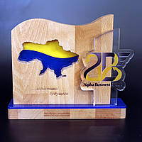 """Награда из дерева с акрилом """"Alpfa bussiness Group"""""""