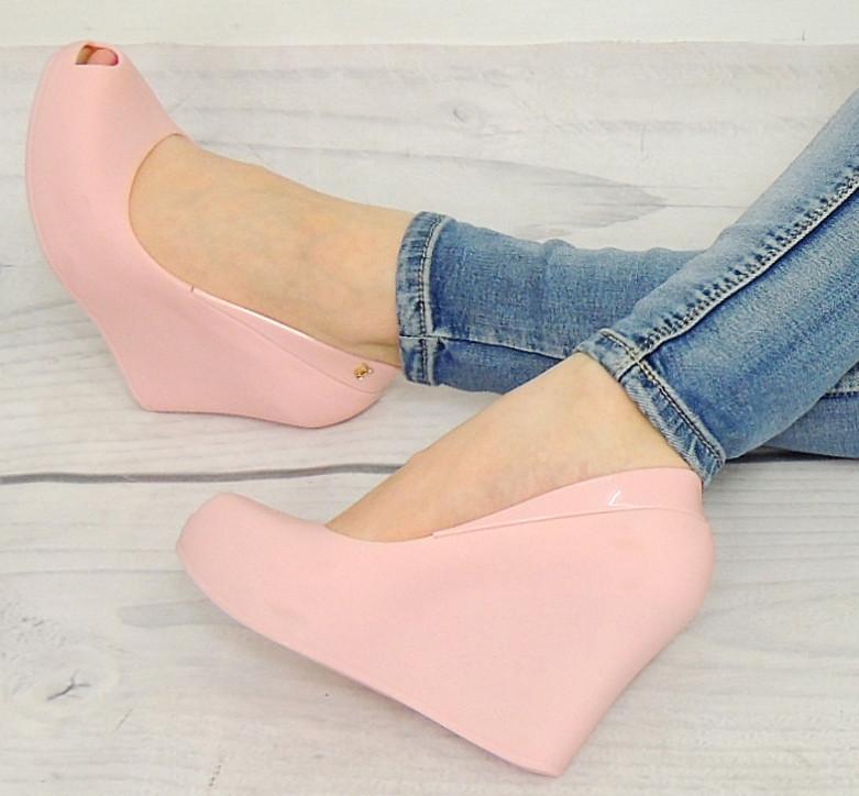 Летние туфли с открытым носком  размер 36