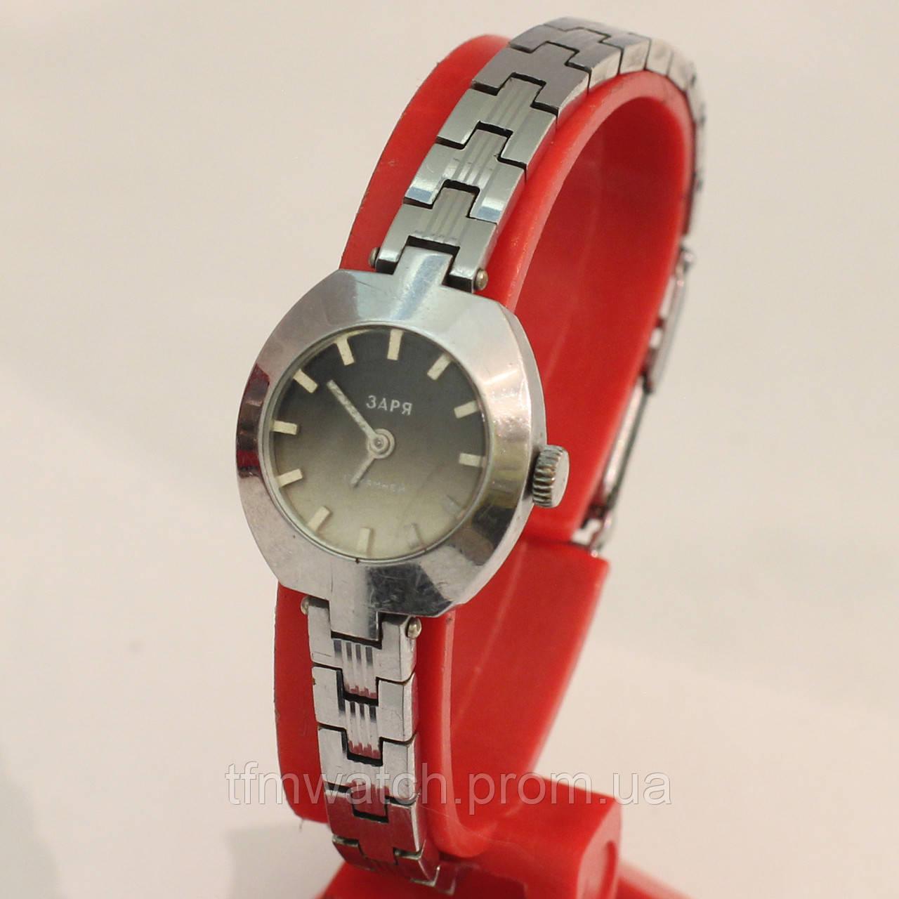 Советские женские часы Заря