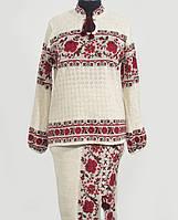 Стильный и колоритный вышитый костюм из льна