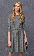 Женское трикотажное платье в клетку серого цвета с юбкой-клеш. Модель Sorenta Zaps.