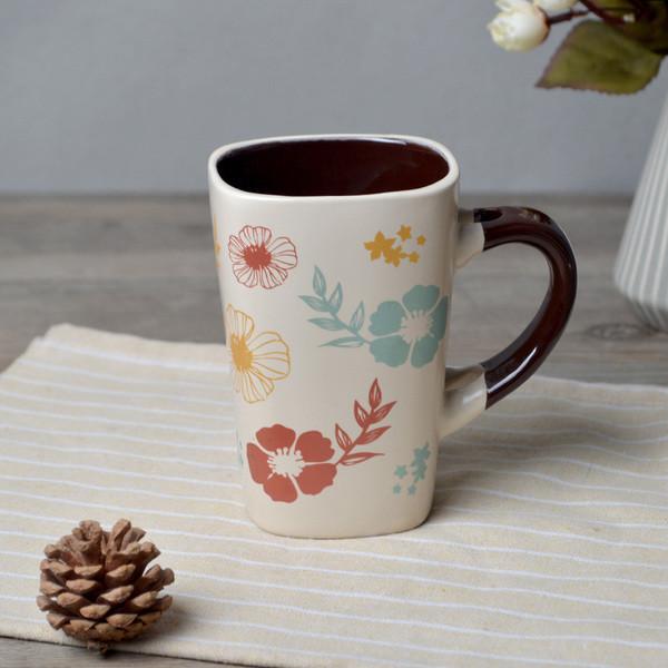 Чашка из глины для чая и кофе