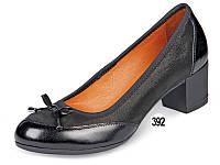 Туфли женские кожаные на невысоком каблуке МИДА 21587 черные.