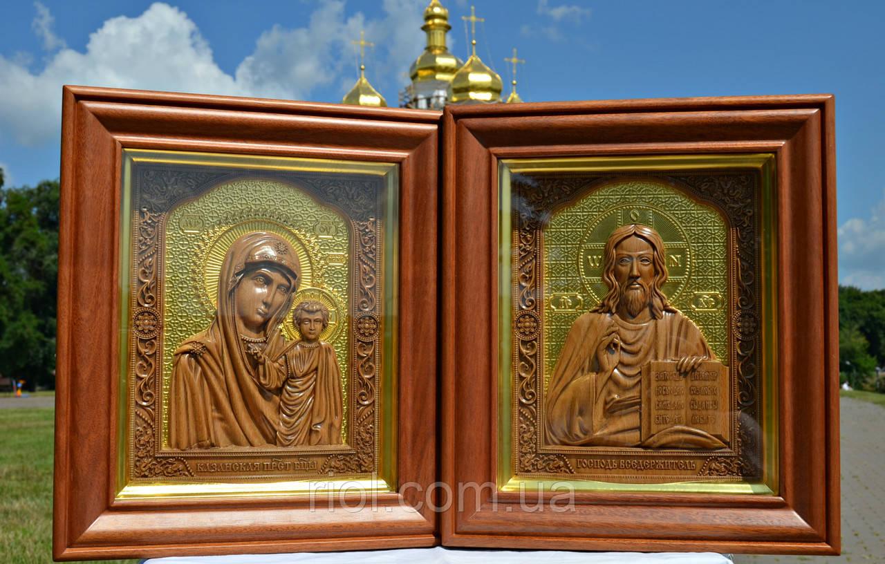 """Резные иконы Иисуса Христа и Казанской Божьей Матери """"Венчальная пара"""" с сусальным золотом"""