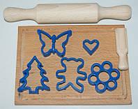 Набір маленький кондитер 8пр( качалка+дощечка+совок для муки+5 форм для печива)