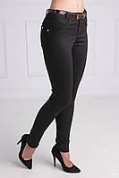 Модные женские брюки черного цвета с принтом заужены к низу с ремнем в комплекте