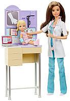 Barbie Игровой набор Барби педиатр Careers Pediatrician Playset