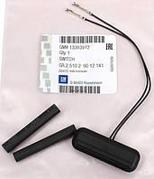 Ремкомплект кнопки (концевой микровыключатель) открывания крышки багажника и задней откидной двери (с проводами) GM 9012141 13393912 для 1241457