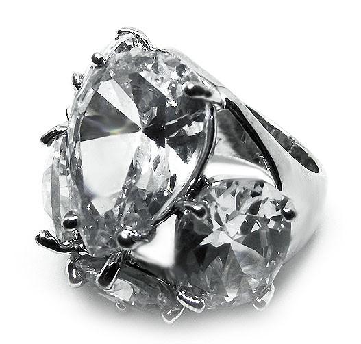 Кольцо с камнями (цирконий)