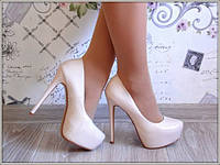 Туфли на каблуке в стиле Christian Louboutin