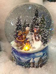 Стеклянный снежный шар автоподдувом снега производства Германии
